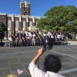 京都大学時計台前での集合写真